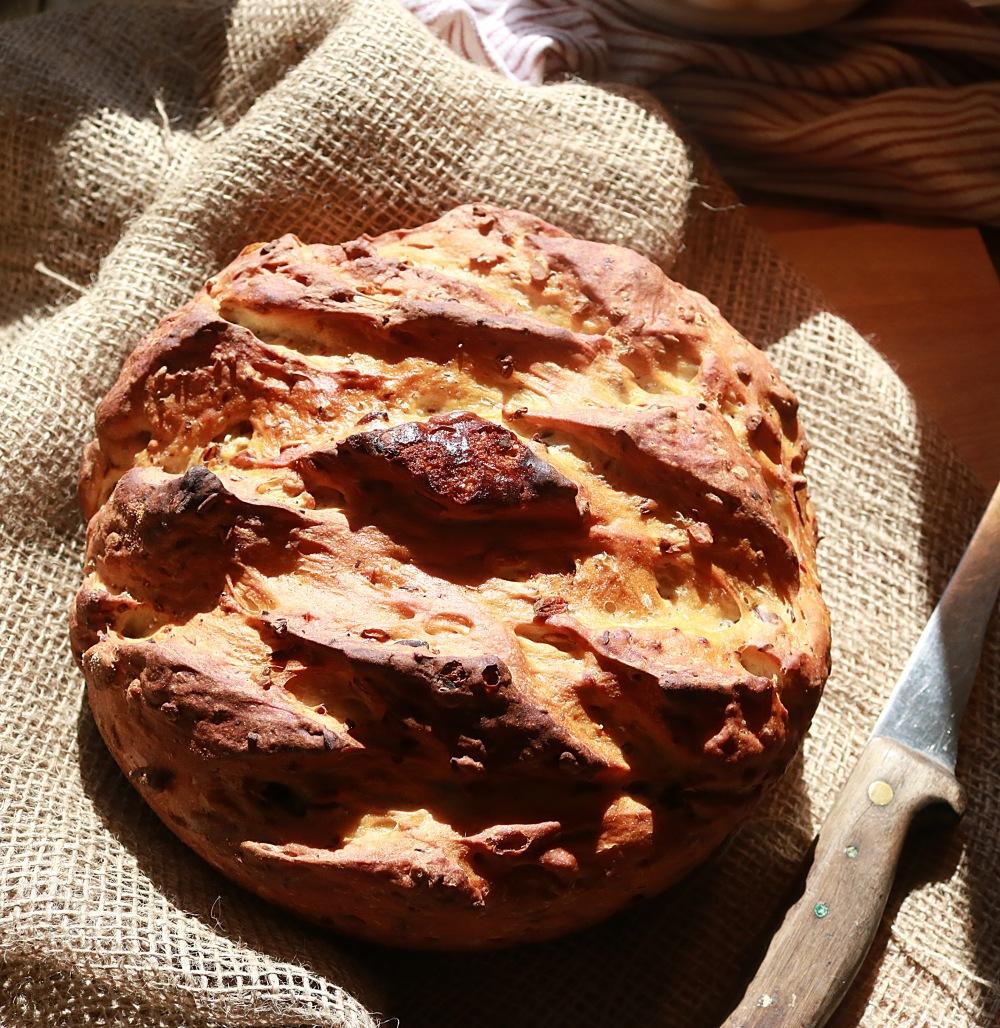 Knuspriges Körnerweißbrot aus dem Dutch Oven2